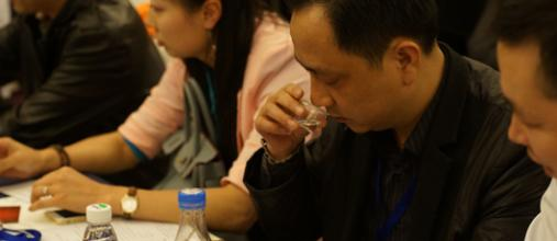 为什么喝酱酒的时候要搭配一瓶矿泉水?插图